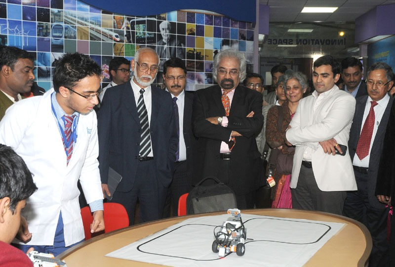 The Advisor to Prime Minister on Public Information, Infrastructure & Innovations and Chairman, National Innovation Council, Dr. Sam Pitroda at the inauguration of an 'Innovation Hub', at National Science Centre, in New Delhi on January 23, 2014.