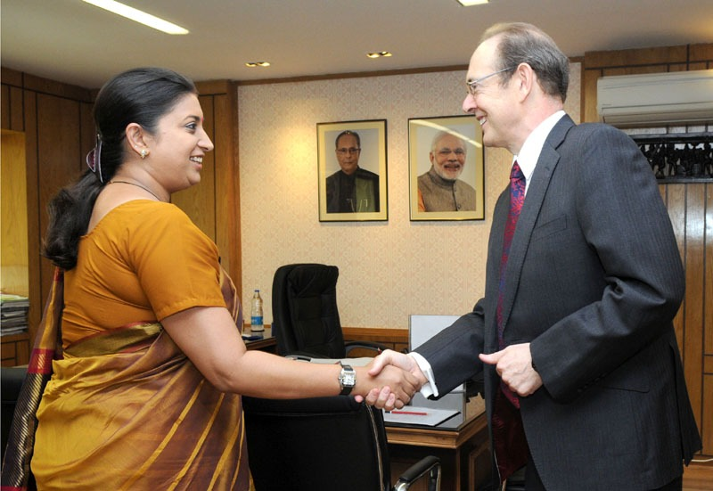 The British High Commissioner to India, Mr. Julian Evans calling on the Union Minister for Human Resource Development, Smt. Smriti Zubin Irani, in New Delhi on June 10, 2014.