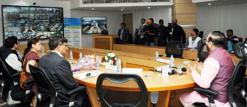 The Union Minister for Human Resource Development, Shri Prakash Javadekar addressing the Higher Education Institutions through Video-Conference, in New Delhi on December 01, 2016.