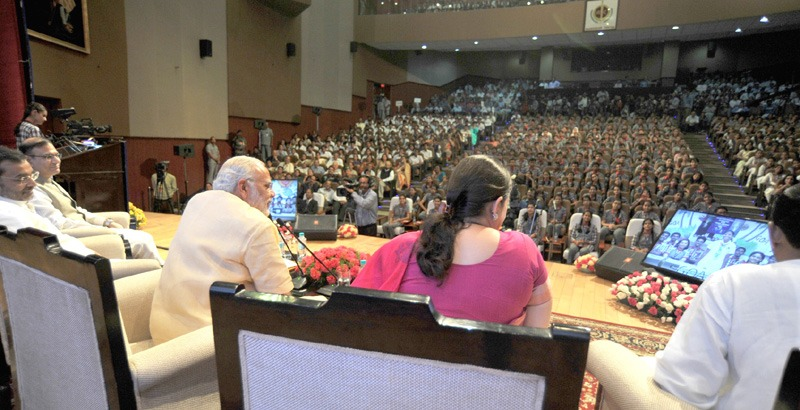 The Prime Minister, Shri Narendra Modi interacting with school children through video conferencing, on eve of the Teachers' Day, at Manekshaw Centre, in New Delhi on September 04, 2015.