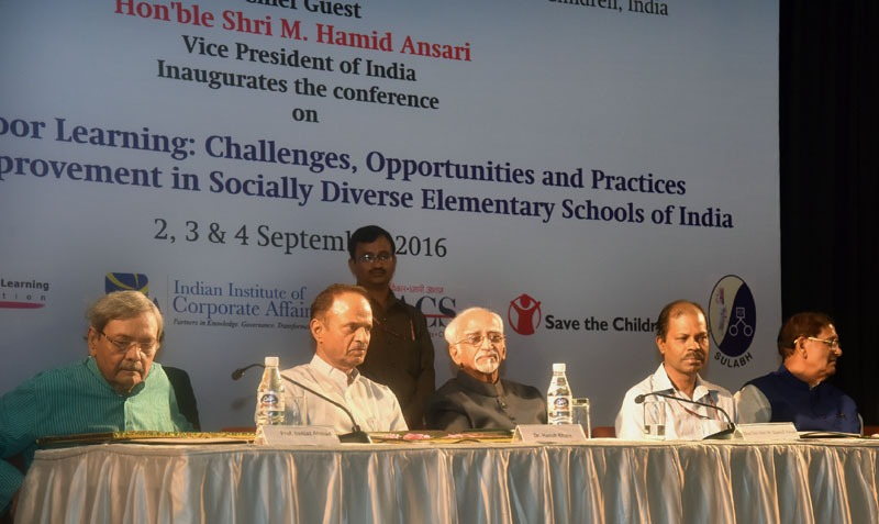 The Vice President, Shri M. Hamid Ansari at the Conference on Factors of Poor learning: Challenges, Opportunities and Practices for Learning Improvement in Socially Diverse Elementary Schools of India, in New Delhi on September 02, 2016. The Secretary, School Education and Literacy, Dr. Subash Chandra Khuntia and other dignitaries are also seen.